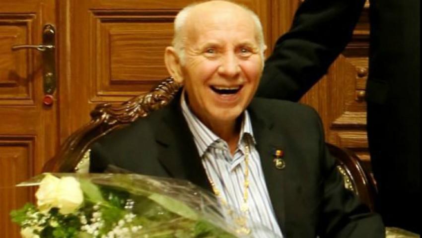 Foto: Regele umorului Gheorghe Urschi împlineşte 72 de ani. La mulți ani Maestre!