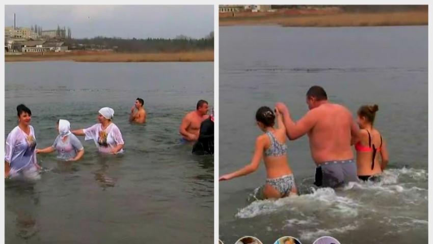 Foto: Tradiții de Bobotează la Cahul: o mulțime de oameni s-a scăldat în apa rece ca gheața