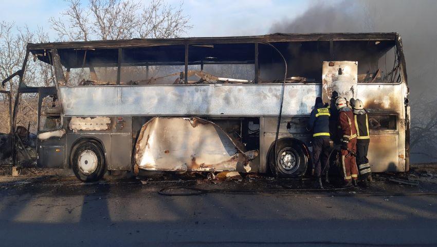 Foto: Detalii despre autobuzul cu pasageri care a ars lângă Peresecina