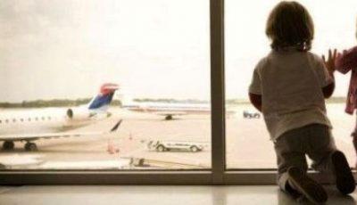Un copil din Moldova a rămas singur pe un aeroport din Italia