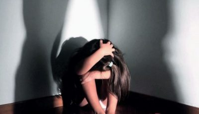 Germania: o fetiţă de 5 ani a fost găsită închisă, fără să poată vedea lumina zilei mai mulți ani