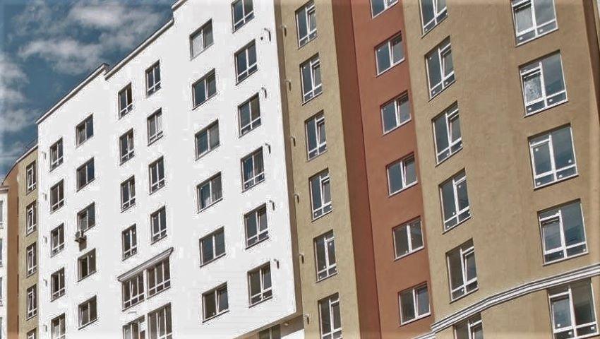 Foto: Nenorocire în capitală. O femeie a căzut în gol de la etajul 10 al unui bloc de locuit