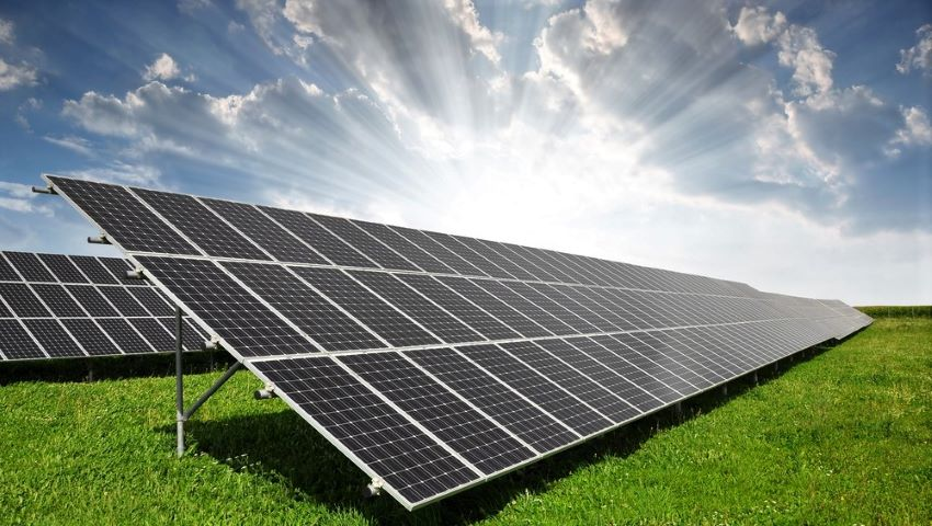 Foto: Un italian va investi 5 milioane de euro, în construcția celui mai mare parc fotovoltaic din Moldova