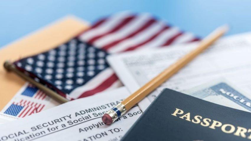 Foto: SUA impun noi reguli de viză pentru femeile însărcinate
