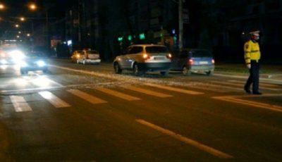 Două adolescente spulberate pe trecerea de pietoni, transportate de urgenţă la spital