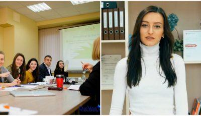 Video! Jurnaliștii beneficiază de cursuri gratuite de limba engleză, datorită unui proiect finanțat de Ambasada SUA