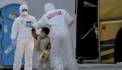 Copil de 5 ani, găsit lângă bunicul mort de coronavirus, în China