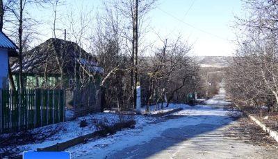 Doar doi oameni mai locuiesc într-un sat din Moldova