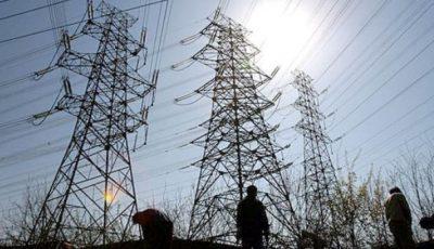 Vânt puternic în Moldova: 112 localități au rămas fără lumină