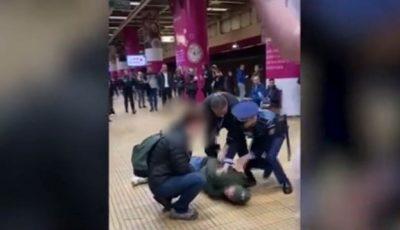 Isterie și bătaie la metrou în București, din cauza tusei