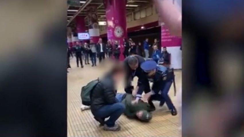 Foto: Isterie și bătaie la metrou în București, din cauza tusei