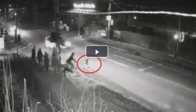 Video. Un copil de 3 ani s-a smuls din braţele tatălui său, lângă trecerea de pietoni. Impactul a fost fatal