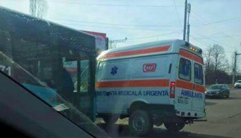 Detalii despre starea de sănătate a medicului și șoferului ambulanței implicată într-un grav accident în Capitală