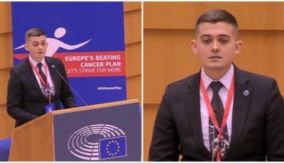 Un tânăr din Moldova, supraviețuitor de cancer, a susținut un discurs emoționant la Comisia Europeană