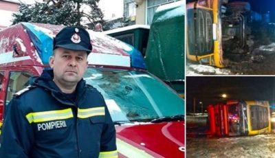 Un pompier i-a oferit bocancii săi unui șofer implicat într-un accident