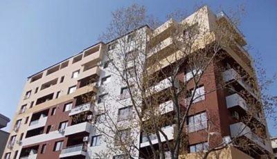 Au investit zeci de mii de euro în apartamente, dar au rămas fără case