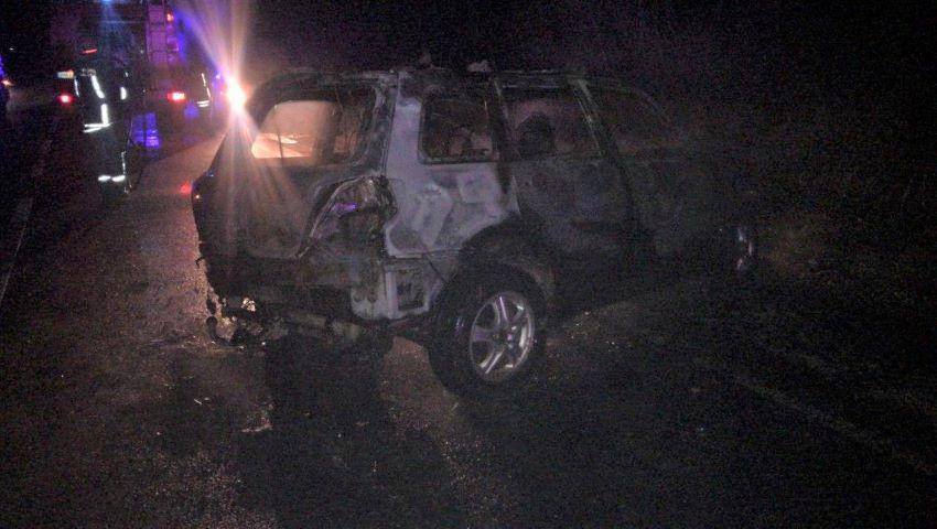 Foto: Accident la Strășeni. Un polițist a ars de viu în mașină