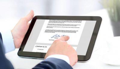 Tot mai mulți moldoveni aleg semnătura electronică pentru a semna documente