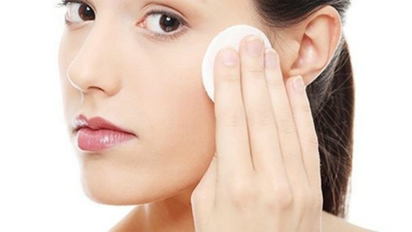 Foto: Cum să îți cureți fața, în funcție de tipul de ten pe care îl ai