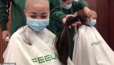 Doctorițe din China, obligate să se tundă zero înainte de a fi trimise în spitalele din Wuhan