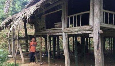 Un copil de 10 ani trăiește singur, după ce și-a pierdut întreaga familie: își cultivă singur plantele de care are nevoie