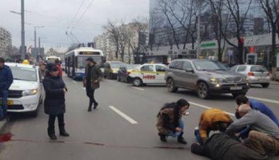 O tânără de 20 de ani, lovită de mașină pe o stradă din Capitală