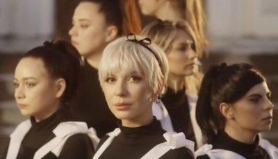 """,,Ce faci, fată?"""". Sore a lansat un videoclip care îndeamnă femeile să încurajeze alte femei să creadă în ele și în visele lor"""