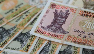 Tot mai mulți moldoveni primesc salarii mai mari de 10 mii de lei