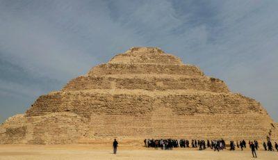 Imagini video spectaculoase! În Egipt, a fost deschisă piramida faraonului Djoser din Saqqara, una dintre cele mai vechi din lume