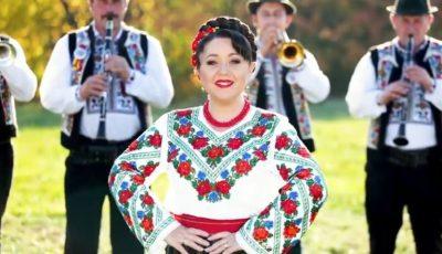 """,,Răsună frumos fanfara"""" – un videoclip special lansat de Marina Filipovici, în colaborare cu Orchestra Mugurel. Vezi video!"""