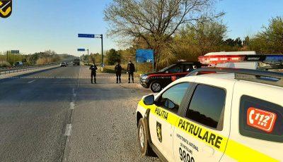 Toate mașinile sunt verificate de către poliție, la intrările în municipiul Chișinău