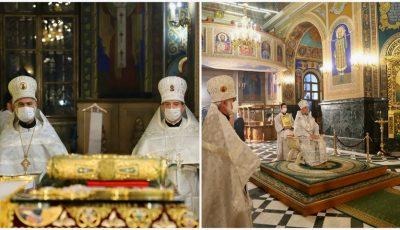 """Foto. Cum a avut loc Slujba de Înviere la Catedrala ,,Nașterea Domnului"""" din Chișinău"""