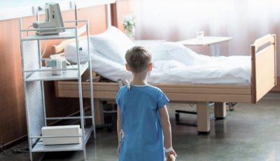 Necazul unei mame suspecte de coronavirus, internată cu cei trei copii ai săi la un spital din Capitală