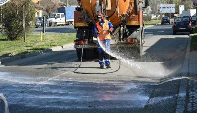 OMS avertizează: stropitul străzilor cu soluţie de hipoclorit de sodiu este periculos pentru om