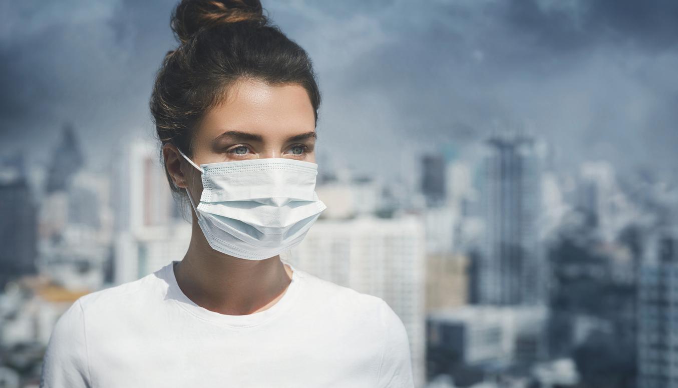 Medic american: Virusul Covid-19 se poate răspândi și atunci când oamenii vorbesc, nu doar când strănută sau tușesc
