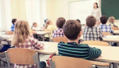Când ar putea reveni elevii la școală? Ce spune Ion Chicu