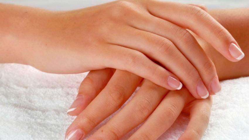 Foto: Cum poți preveni uscarea pielii, după spălarea excesivă cu dezinfectanți și alcool!