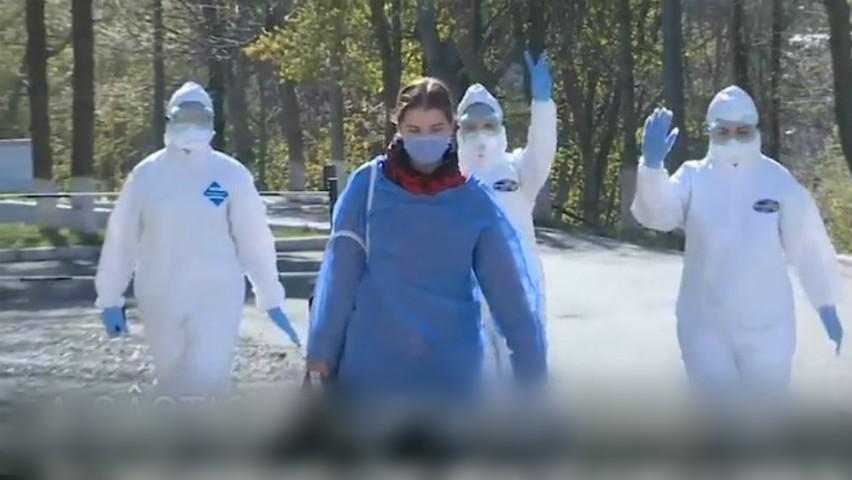 Pacientă din Moldova, externată de medici cu ropote de aplauze