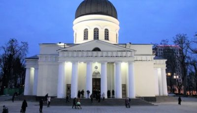 Mitropolia Moldovei anunță cum va avea loc slujba de Paște