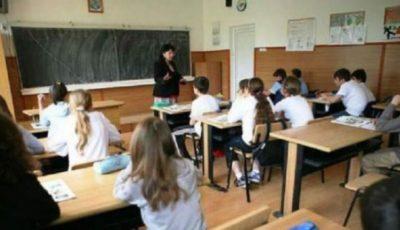 Ministrul Educației: Peste 90% din elevi şi studenţi sunt antrenaţi în procesul de instruire la distanţă