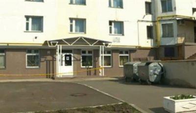 Un bloc din Chișinău, cu 200 de familii, plasat în carantină totală. Cel puțin 3 locătari sunt infectați cu Covid-19