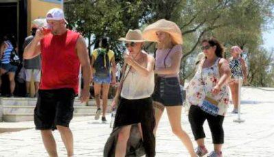 Grecia se sufocă de căldură. Temperaturile ajung la +40 de grade la umbră