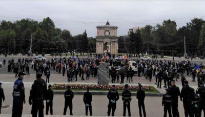 Protest în centrul Chișinăului. Veteranii cer demisia guvernului și președintelui