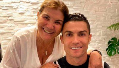 Cristiano Ronaldo i-a oferit un cadou generos mamei sale!