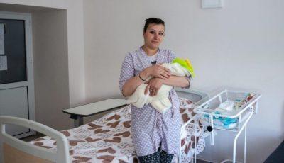 Maternitățile și centrele de sănătate din țară vor beneficia de produse de igienă și de primă necesitate