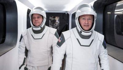 Capsula SpaceX Crew Dragon a ajuns cu succes la Stația Spațială Internațională