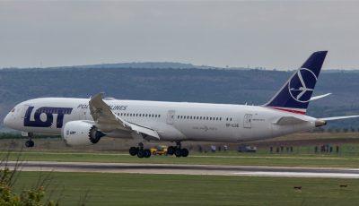 Cea mai modernă aeronavă din lume, cu zbor direct New York-Chișinău, a aterizat pe Aeroportul Chișinău