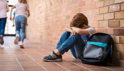 Raport OMS: Mai mulți adolescenți de 11-15 din Europa raportează îngrijorări de sănătate mintală