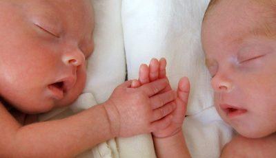 Primii bebeluși modificați genetic. Cercetătorul chinez, condamnat la închisoare