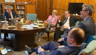 Premierul României, amendat de poliție pentru nepurtarea măștii în spații închise